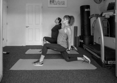b&w hip flexor stretch